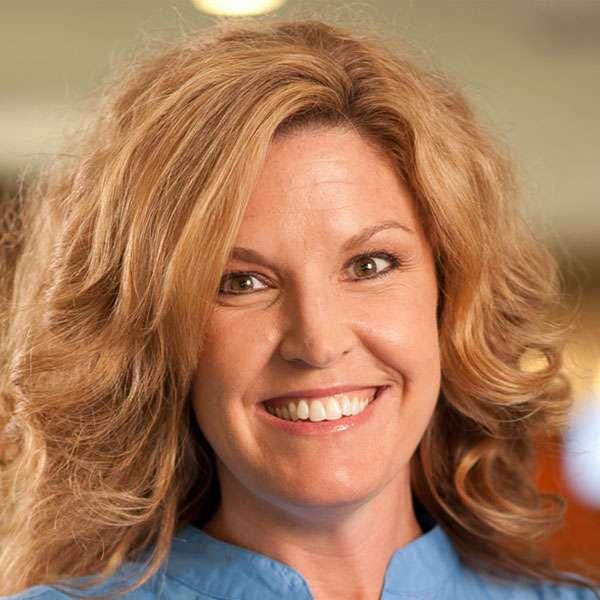 Portrait of Melissa Larson