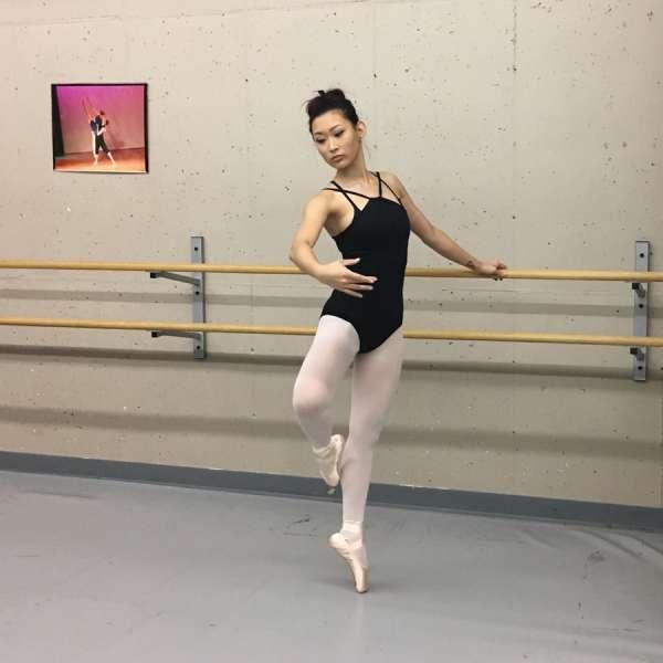 Girl in the ballet stuudio