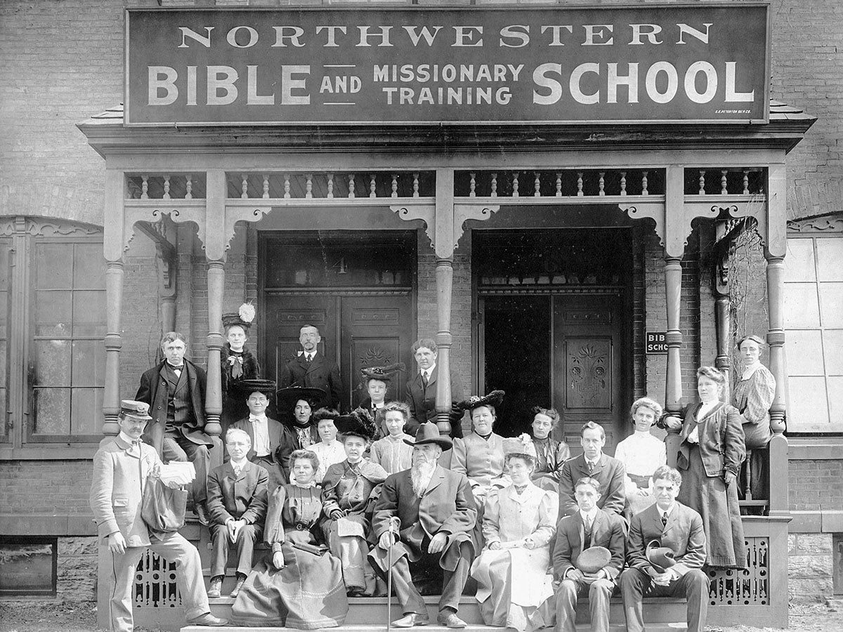 Northwestern Bible And Missionary Training School building in 1902