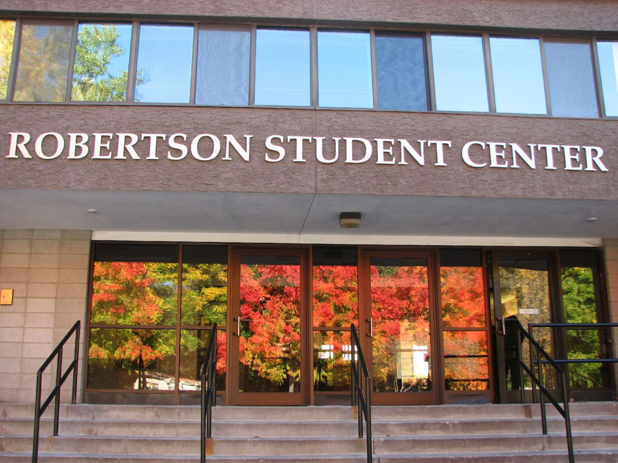 Main entrance to the Robertson Student Center