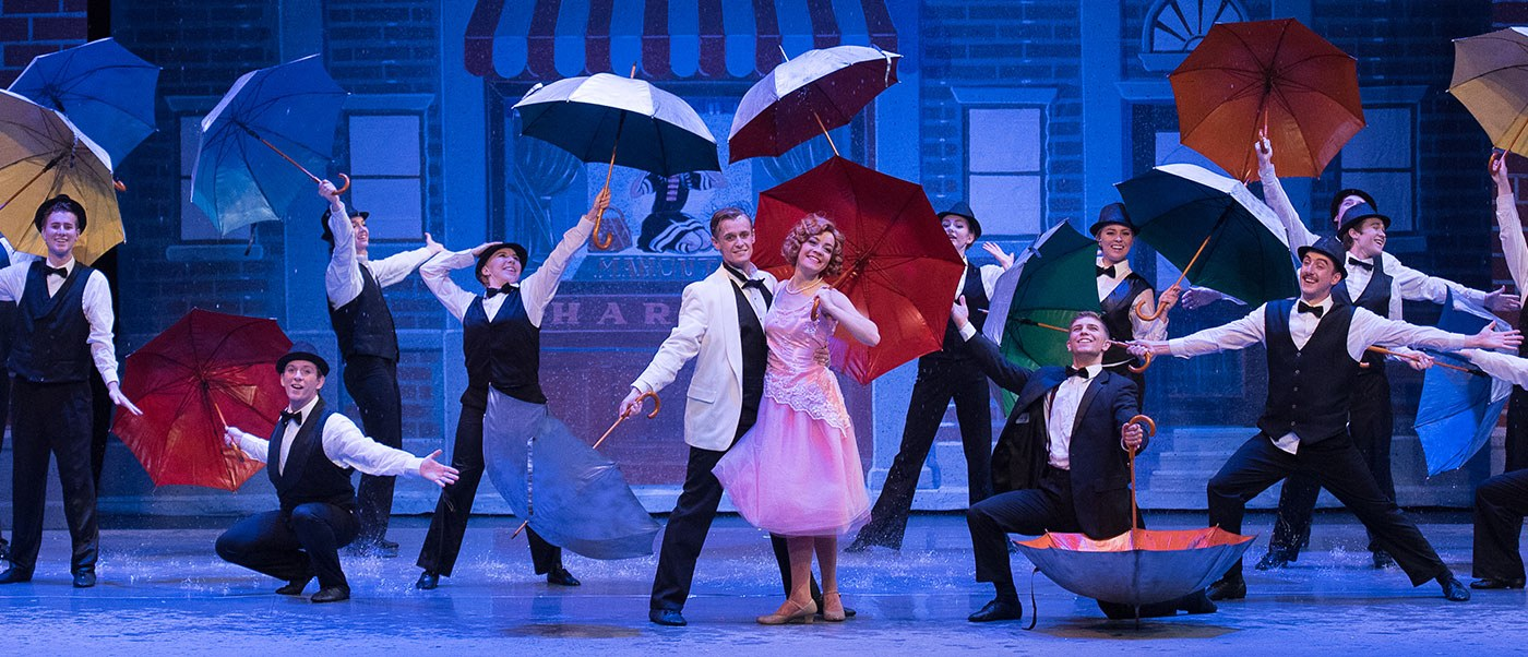 Singing in the Rain performance.